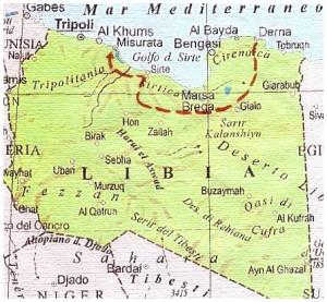 """ANSAR AL SHARIA: già inquadrati in Al Qaeda, sono adesso jiadisti e si definiscono """"partigiani della legge islamica"""". Occupano Bengasi. FAJR LIBYA: Milizia islamica che occupa i territori di Tripoli, Misurata e Sirte. Vicina ai Fratelli Musulmani. Si è scontrata sia con i governativi che con l'Isis nei pressi di Tripoli e sulla strada che collega Sirte a Misurata. GOVERNO LEGITTIMO: guidato da Abdullah al Thani, occupa Tobruk e l'enclave di nordovest. Ha sferrato attacchi contro l'Isis e contro Ansar al Sharia a Bengasi. CALIFFATO DELL'ISIS: sotto il controllo di Abu Bakhr al Baghdadi è attestato a Derna ma ha avanzato, come contrassegnato dalla linea tratteggiata, in Cirenaica e Tripolitania fino a minacciare Tripoli, scontrandosi con i miliziani di Ansar al Sharia."""