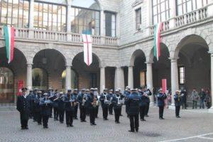 """""""Cordialis Rigoris"""", il corpo bandistico della Polizia Locale di Milano, si esibisce nel Cortile d'Onore di Palazzo Marino"""